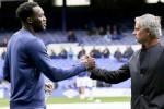 M.U mua Lukaku chỉ để… phá Chelsea?