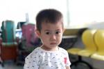 Cậu bé 2 tuổi nghi bị bỏ rơi trước cổng Bệnh viện Từ Dũ