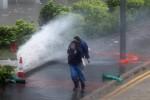 Bão Hato áp sát, Hồng Kông nâng cảnh báo lên mức cao nhất