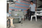 Côn đồ tạt sơn, đập ôtô rồi đánh 2 ông bà trọng thương ở Sài Gòn