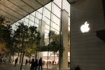 Singapore: Vẫn xếp hàng đông nghịt từ đêm để đợi mua iPhone 8
