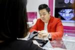 Khoe giàu sang bậc nhất, Quang Lê phải bán nhẫn 2 tỷ
