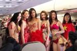 Hoàng Thùy, Mâu Thủy buồn khi dàn mẫu bikini đón U23 VN bị miệt thị