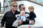 """Elton John - """"ông hoàng Pop"""" viên mãn với hôn nhân đồng giới"""