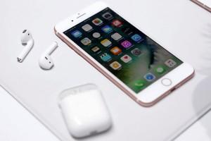 Apple phát triển tai nghe AirPods chống thấm nước