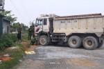 Xe tải tự trôi, đâm 1 người chết, 2 người bị thương