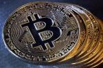 """Chứa nội dung khiêu dâm, Bitcoin có nguy cơ bị """"cấm cửa"""""""
