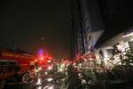 Hơn 2 giờ giải cứu hàng trăm người khỏi tòa nhà cháy ở Sài Gòn