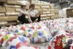 """Choáng trước mê trận hàng nhái của Trung Quốc """"ăn theo"""" mùa World Cup"""