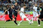 Nigeria thắng Iceland 2 bàn, Argentina sống lại hy vọng đi tiếp