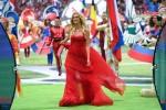 Hoa hậu Nga gào thét khi đội nhà vào tứ kết World Cup