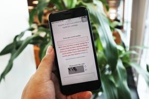 iPhone 'IMEI đỏ' xuất hiện tại TP.HCM