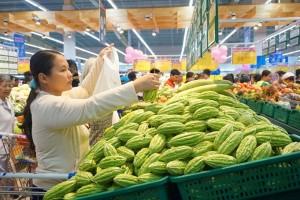 Co.opmart giảm giá mạnh tôm thẻ, hàu sữa và thịt heo xay