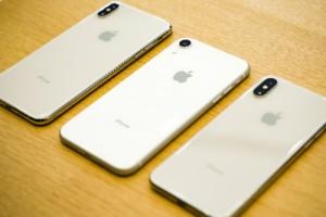 Loạn giá iPhone Xs Max trước ngày về Việt Nam