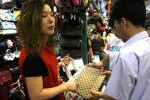 """Túi xách nhái """"lên ngôi"""" ở Trung Quốc nhờ chiến tranh thương mại với Mỹ"""