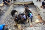 80 trẻ em Indonesia bị vùi lấp dưới nhà thờ sập sau động đất