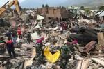Indonesia: Xót xa các thi thể được đưa thẳng đến mồ chôn tập thể mà không được nhận dạng