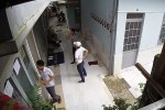 Nhóm đòi nợ thuê khủng bố, ném mắm tôm pha nhớt vào nhà dân