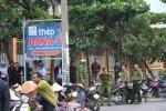 """Đà Nẵng: Người dân tiếp tục """"vây"""" nhà máy thép ở Hòa Liên"""