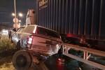 Container tông hàng loạt ôtô dừng đèn đỏ ở Bình Dương