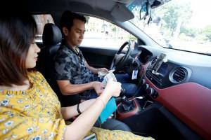 Grab là 'hung thần' hay 'cứu tinh' của taxi truyền thống?