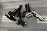 Người đàn ông bỏ valy có 3 khẩu súng ở sân bay Tân Sơn Nhất