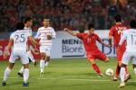 Việt Nam vs Phillipines: Cuộc chiến bên phần sân đối thủ