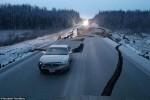 Ảnh: Quang cảnh đổ nát sau động đất 7 độ richter rung chuyển Alaska