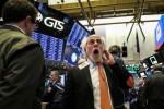 """Chứng khoán Mỹ giảm mạnh, Dow Jones """"bay"""" gần 800 điểm"""