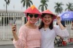 CĐV đến sớm cổ vũ tuyển Việt Nam đá bán kết lượt về AFF Cup 2018