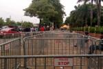 Đám đông tiếp tục vây cổng VFF, công an dựng hàng rào nội bất xuất, ngoại bất nhập