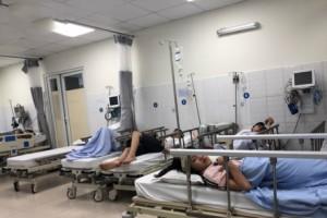 Hơn 20 người nhập viện sau bữa tiệc tất niên tại nhà hàng
