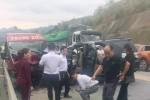 Vụ 2 ôtô tông nhau kinh hoàng trên cao tốc: 2 người tử vong, 10 người bị thương