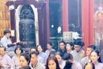 Thúy Nga và Phật tử tụng kinh, cầu siêu cho nghệ sĩ Anh Vũ ở chùa
