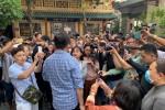 Đám tang nghệ sĩ Anh Vũ và niềm vui của đội quân livestream