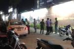 Tài xế taxi ở Sài Gòn bị khách cứa cổ