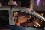 Nữ tài xế nhiều vết thương kêu cứu trong taxi