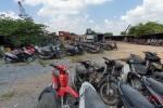 """Tôi đi """"mua"""" xe không giấy tờ giá chỉ vài trăm ngàn ở vùng ven Sài Gòn"""
