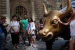 Dow Jones tăng mạnh hơn 200 điểm nhờ kỳ vọng Fed hạ lãi suất