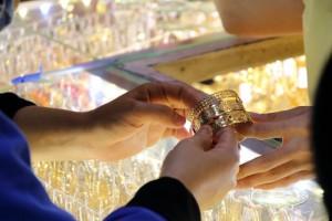Giá vàng và USD trong nước cùng tăng