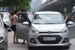 """Vì sao Bộ GTVT kiên quyết yêu cầu taxi công nghệ phải gắn """"mào""""?"""