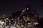 Cháy ôtô tải, cầu Phú Mỹ kẹt xe nhiều km