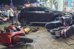 Nhân chứng kể phút nữ tài xế lái ôtô Mercedes đâm hàng loạt xe máy, 6 người bị thương ở TP.HCM