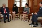 Thủ tướng Hàn Quốc lấy làm tiếc vì vụ cô dâu Việt bị chồng đánh gãy xương