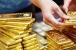 Ngày 17/7: Giá vàng SJC trượt giảm theo đà thế giới