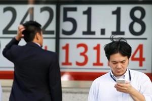 Chứng khoán châu Á lao dốc vì Trump đánh thuế Trung Quốc