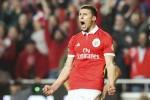 """""""Hòn đá tảng"""" 1m86 đồng loạt từ chối cả MU lẫn Arsenal"""