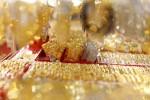 Ngày 3/8: Vàng tăng giá, trong nước rẻ hơn thế giới 400.000 đồng/lượng