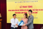 """Bảo Thanh hỏi cảm nhận của Bộ trưởng Văn hóa về phim """"Về nhà đi con"""""""