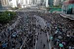 Chứng khoán Hong Kong tăng vọt